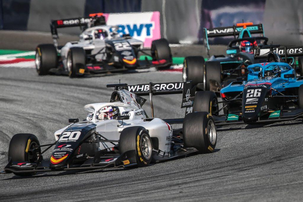 Több hetes kihagyás után remek teljesítménnyel tért vissza a Formula 3-ba Tóth László