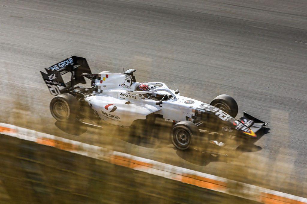 Két kör alatt hét pozíciót javított Tóth László a Formula-3-asok zandvoorti második futamán