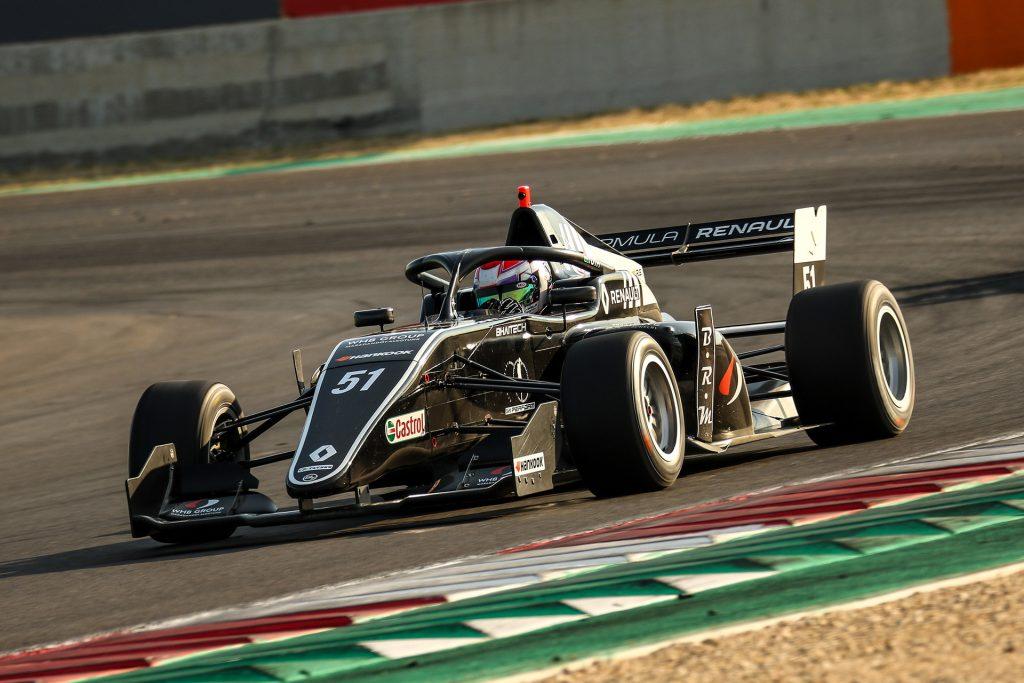Műszaki gondjai ellenére két 11. helyet szerzett Magny-Cours-ban Tóth László