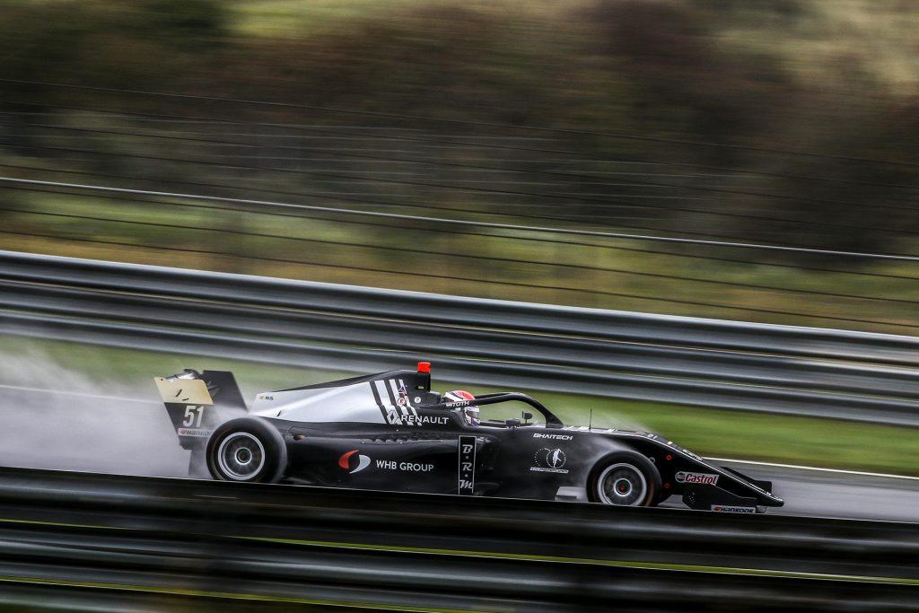 Barcelona mellett folytatódik a Formula Renault Eurocup Tóth Lászlóval a mezőnyben